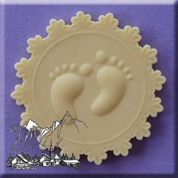 Alphabet Moulds - Baby feet cupcake topper