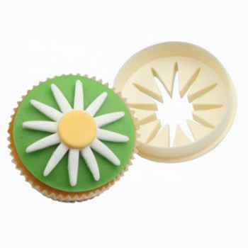 FMM Double Sided Cupcake Cutter Daisy / Circle
