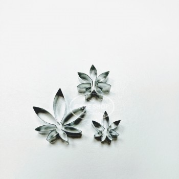 Alan Dunn Collection - Passionflower Leaf set/3