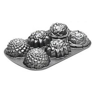 Nordic Ware Bakvorm Floral Mini Cakes