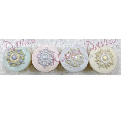 Karen Davies Cupcake top - Brooch